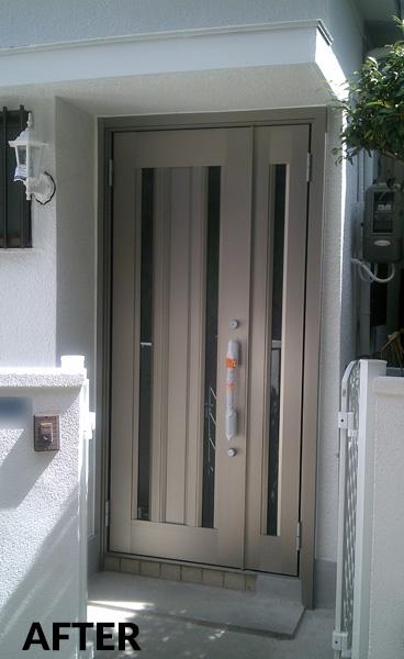 玄関と門扉を明るくモダンな雰囲気にリニューアル 1枚目